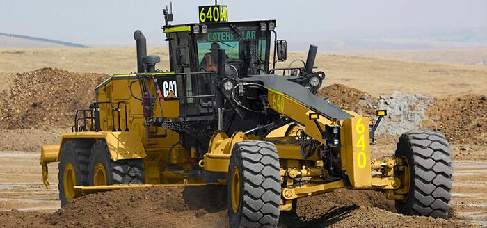 Cat_24_Motor_Grader__Front_View.5abd51cdee6c0